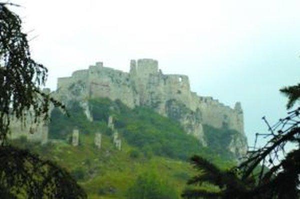 Spišský hrad je obrovský, aj šľachta sa časom rozhodla pre pohodlnejšie a skromnejšie sídla.