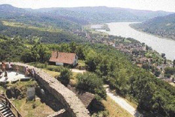 Práve tu sa Dunaj otáča južným smerom.