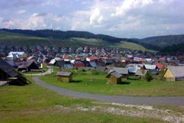 Dedinou roka 2007 je rázovitá obec vo vrchoch Nízkych Tatier – Liptovská Teplička.