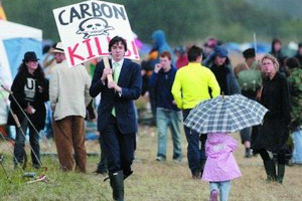 Oxid uhličitý zabíja, tvrdili demonštranti kempujúci pri Heathrowe.