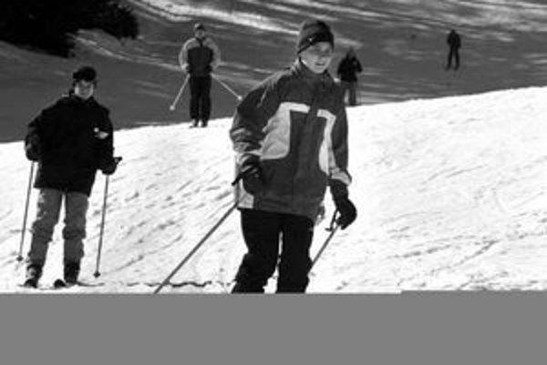 V stredisku Králiky vládne pravá jarná lyžovačka. Vo väčšine stredísk však sezónu skončia skôr ako po iné roky. Najlepšia lyžovačka je v ranných hodinách, keď je sneh tvrdší. Okolo poludnia sa už mení na kašu.