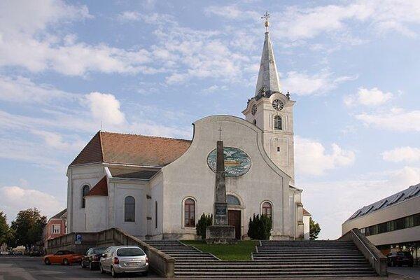 Farský kostol v burgenladskom Deutschkreutzi.