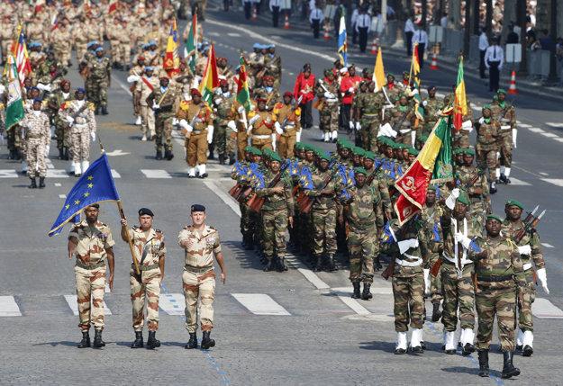 Bulvár býva vyhradený aj pre vojenské prehliadky počas osláv francúzskeho štátneho sviatku Deň dobytia Bastily.