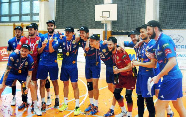Nitrania oslavovali titul po výhre v siedmom zápase finálovej série na palubovke obhajcu trofeje v Prešove.