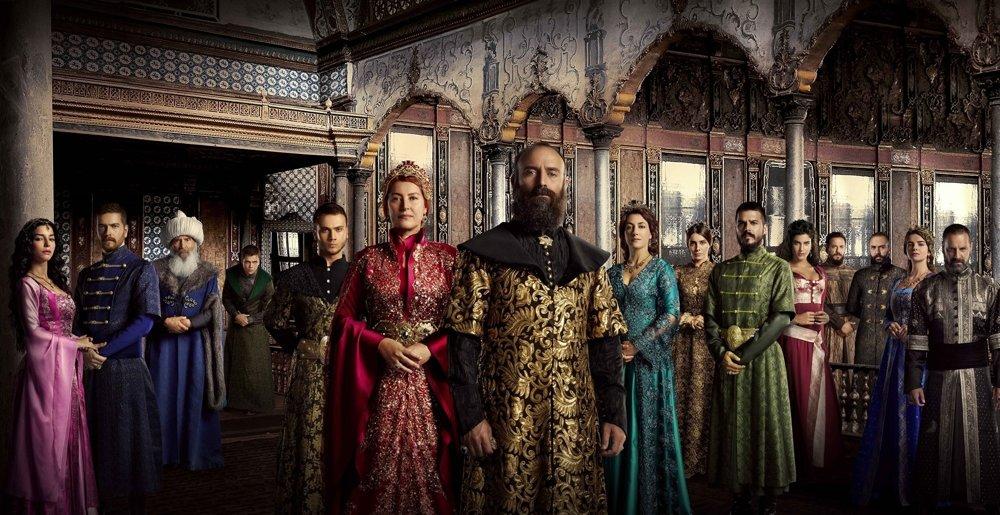 Sú krásne oblečení, majú honosné paláce, bojujú za dobrú vec. Hrdinov telenovely Sultán slovenské diváčky prijali a obľúbili si ich.