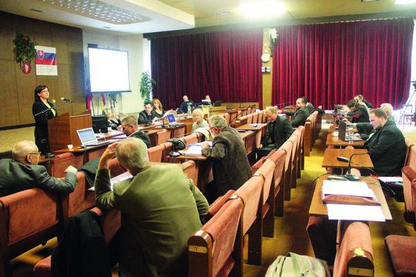Poslanci materiál stiahli z rokovania, nemali dostatok informácií.
