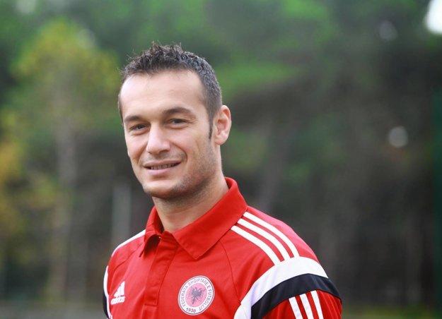 Salihi, ktorý sa v nominácii neocitol, pôsobil v minulosti aj v americkej MLS, rakúskej Bundeslige, či čínskej Superlige.