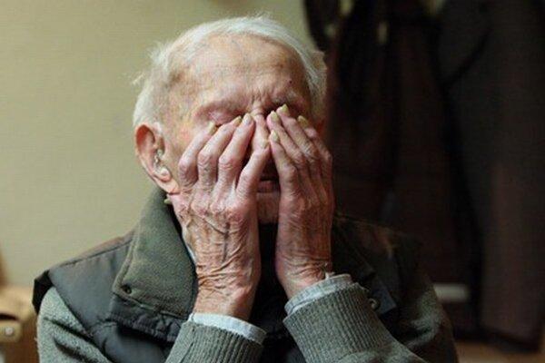 Starí ľudia sú ľahkou korisťou.