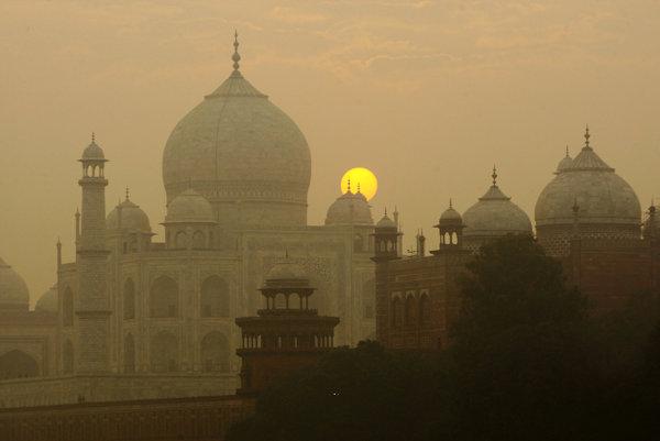 Hmyz ničí zložité mramorové mozaiky Tádž Mahalu.