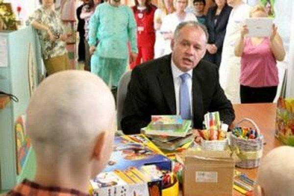 Andrej Kiska na ťažko choré deti nezabúda ani ako prezident.