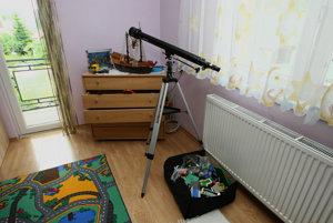 Marcova destká izba u starých rodičov v Brehoch.
