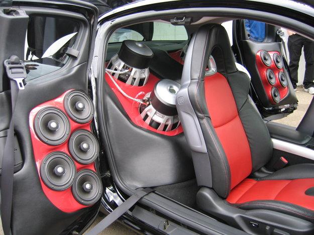 Ani ten najkvalitnejší audiosystém neprehrá hudbu lepšie, než aká je vstupná kvalita nahrávky.
