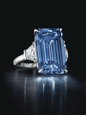 Diamant Oppenheimer Blue bol pomenovaný po Philipovi Oppenheimerovi, ktorého rodina kedysi ovládala firmu De Beers.