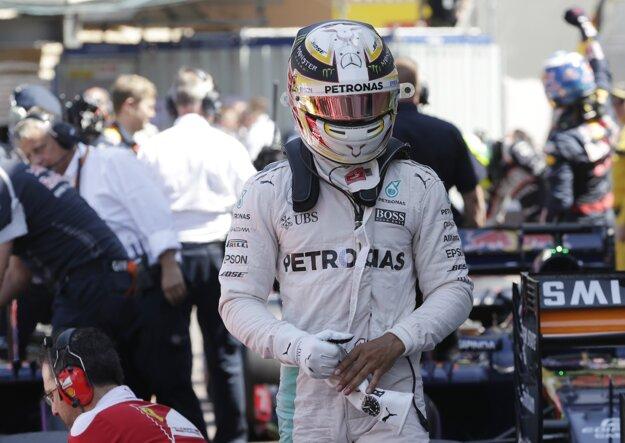 Brit Lewis Hamilton finišoval na treťom mieste.