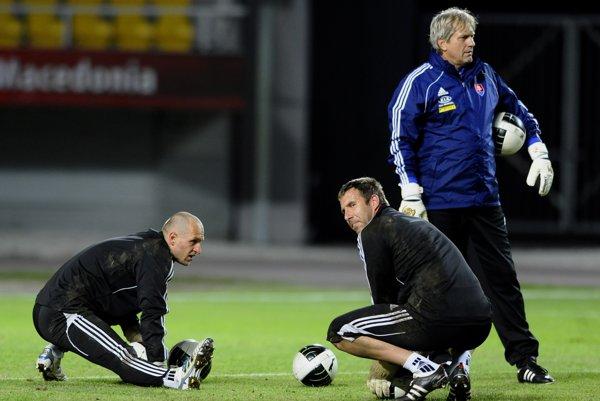 Miroslav Mentel (vpravo) v minulosti viedol brankárov aj v slovenskej reprezentácii.