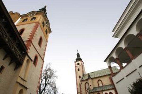 V kostole Nanebovzatia Panny Márie v Banskej Bystrici (za Barbakanom) sa nachádza oltár svätej Barbory, ktorej príbehom sa združenie inšpirovalo.