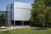 Paneurópska vysoká škola, fakulta práva, bola založená v roku 2004.