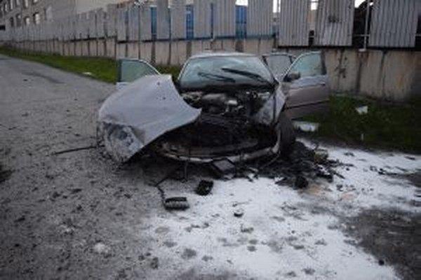 Zničené BMW.