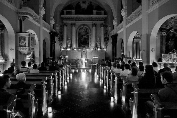 Noc kostolov máva neobvyklé čaro.