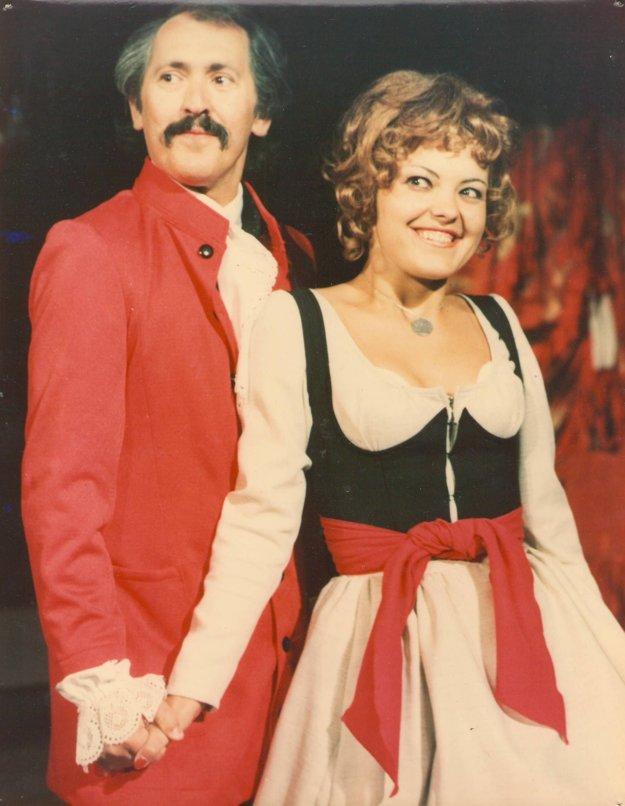 1976, Beaumarchais: Figarova Svadba. Eva Belková ako Zuzanka s budúcim manželom Štefanom Kršňákom.
