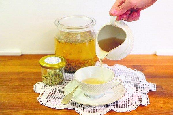 Dôchodcovia spoznávalil bylinky a spomínali, aké čaje si z nich kedysi doma robili a na aké zdravotné problémy boli dobré.