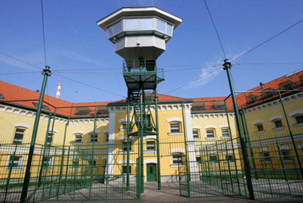 Väznica v Leopoldove