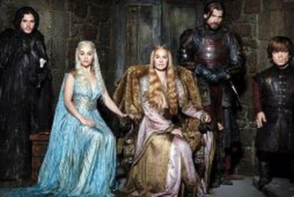 Fantasy seriál natočený podľa knihy Georga R. R. Martina Pieseň ľadu a ohňa popisuje predovšetkým dynastické boje medzi vládnucimi rodmi Siedmich kráľovstiev na kontinente Západozeme.