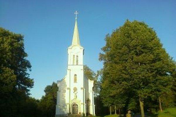 Kostol v Riečnici bol určený na demoláciu. Napokon sa ho podarilo zachrániť.