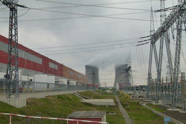 Vážny pracovný úraz sa tentoraz stal v areáli už fungujúcej časti atómovej elektrárne.