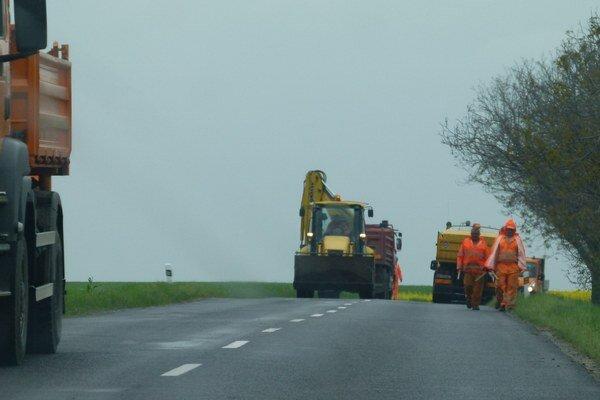 V okrese opravia takmer 13 kilometrov ciest.