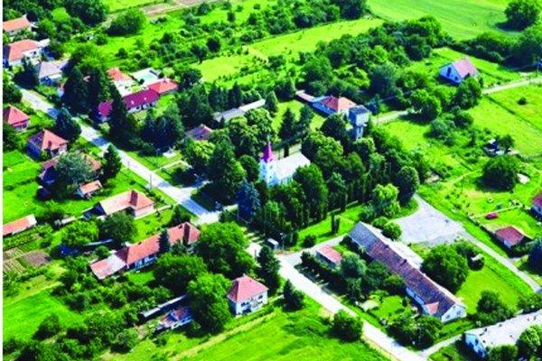 Jesenské je najmenšou obcou okresu aj kraja.