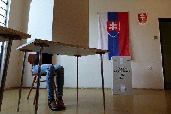 V Leviciach je dnes otvorených 43 volebných okrskov.