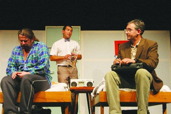 Na festivale každoročne vystupuje domáci divadelný súbor Hľadanie.