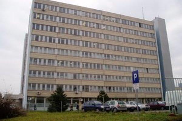 K zlepšeniu čísiel levickej nemocnice prispela aj redukcia počtu zamestnancov.