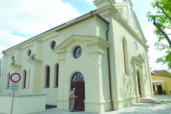 V apríli v Leviciach otvorili zrekonštruovanú synagógu.
