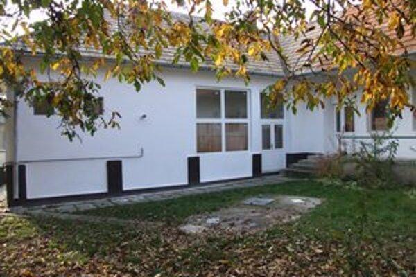 Existenčné problémy má aj základná škola v obci Slatina.