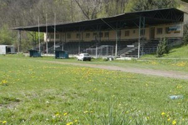 Futbalový štadión v Tlmačoch.