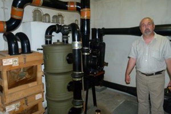 V úkryte pod Obvodným úradom je ventilácia, ktorú v prípade výpadku elektriny dokážu prevádzkovať manuálne.