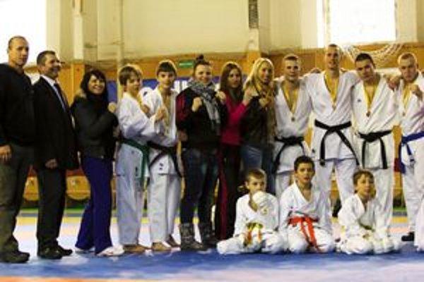 Členovia Goju-Ryu klubu.
