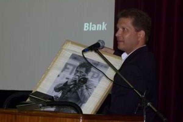 Peter Bielik priniesol škole fotografiu svojho otca.