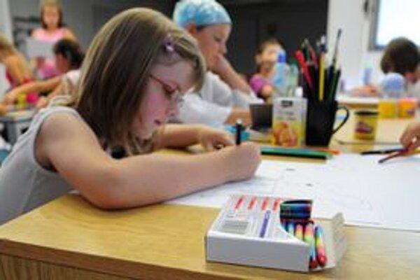 Od nového školského roku je angličtina povinná od tretieho ročníka základných škôl.