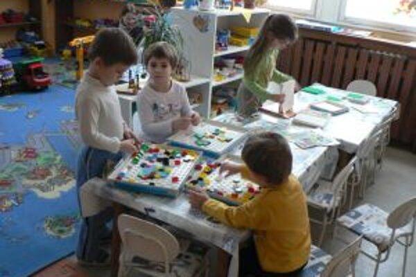 Existenciu materskej školy s programom zameraným na kresťanskú výchovu preto mesto pokladá za neopodstatnenú.