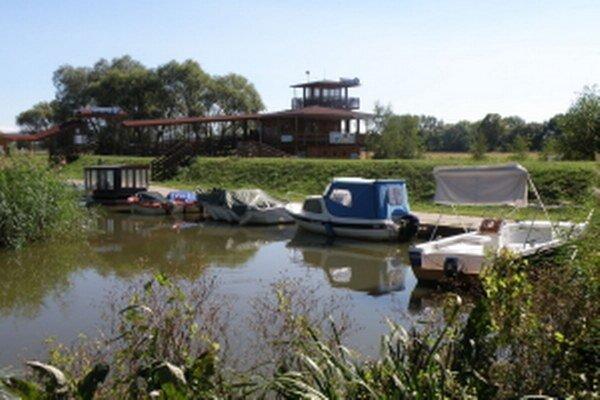 Baťov kanál - prístav Skalica.