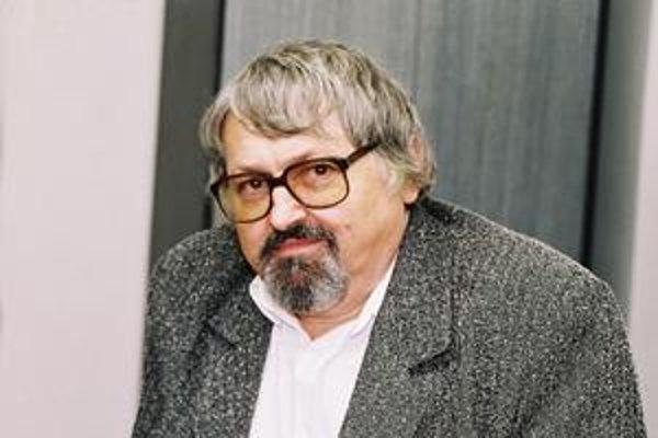 Ocenený spisovateľ Štefan Moravčík.