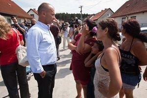 Poslanci svoj návrh zákona o čiernych stavbách prezentovali v osade v Plaveckom Štvrtku.