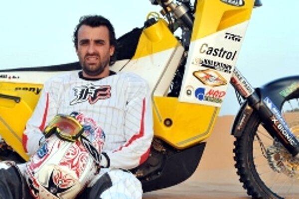 Ivan Jakeš na Dakare už skončil. Pre zlomeninu kľúčnej kosti musel odstúpiť z desiatej pozície v súťaži motocyklov.