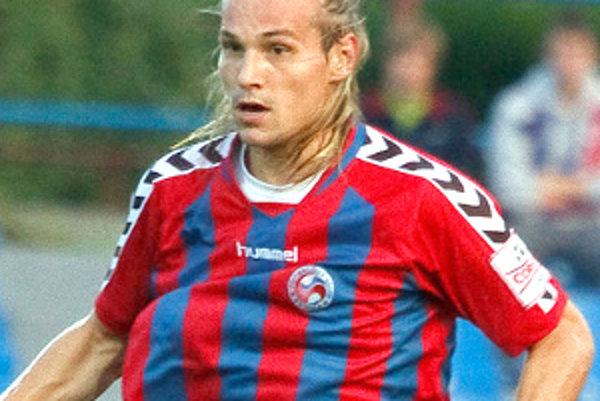 Tomáš Strnad dal prvý senický gól už v druhej minúte.