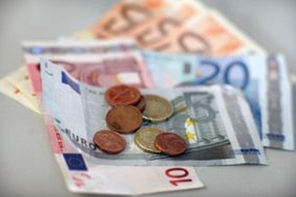 Peniaze z podielových daní obciam chýbajú