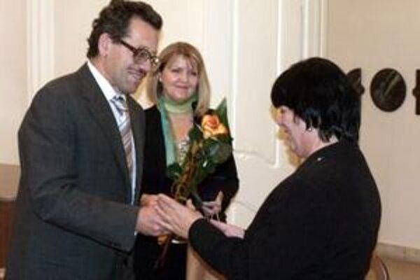 Minulý rok sa víťaznou knihou stala monografia Dany Janáčkovej (v strede).