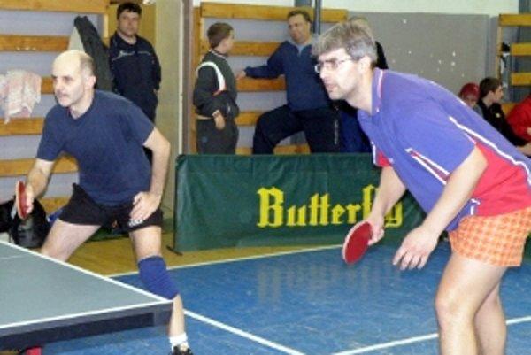 Dobré výkony Vlada Šimka (vľavo) a Libora Kuchariča pomohli Kútom k postupu.